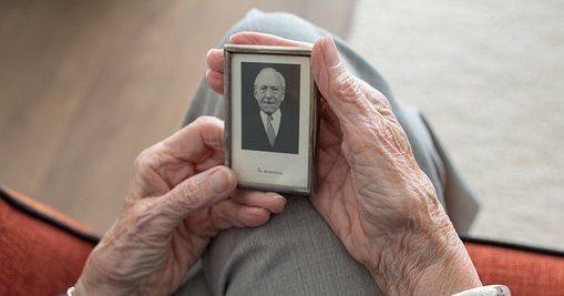 Steeds meer ouderen, steeds meer eenzaamheid