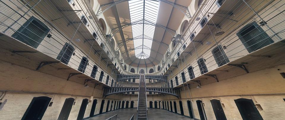 Waarom bijna niemand voor een baan in de gevangenis kiest