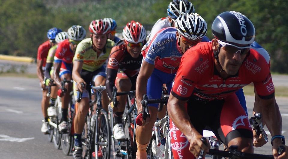 Vloekende fietsers en schreeuwende wielrenners?