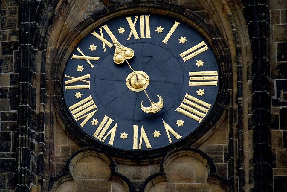 De klok sloeg eindelijk 'twalef': gelukkig nieuwjaar!