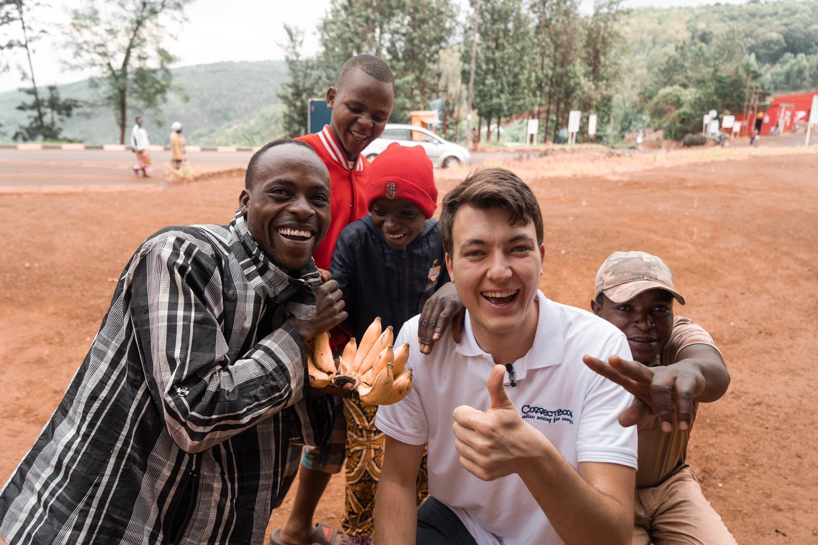 Sam reist naar Afrikamet eindeloos notitieboek voor een betere wereld