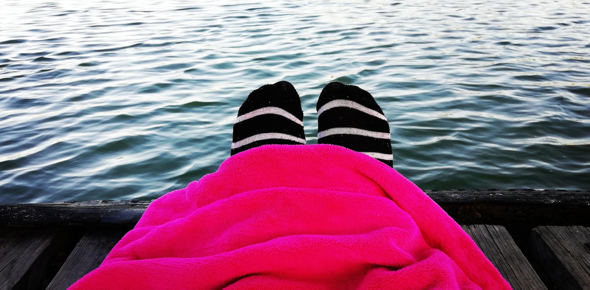 Jeanette heeft het koud in Mexico en koopt een deken