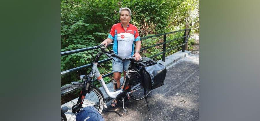 Morgen begint de onbeperkteElfstedentocht; lezeres Elly fietst mee